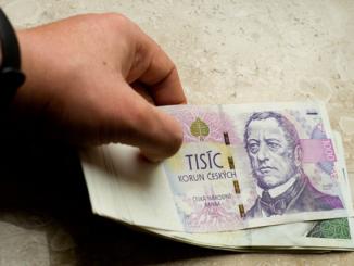 """3 rady, jak se vyhnout úvěrovým """"šmejdům"""""""